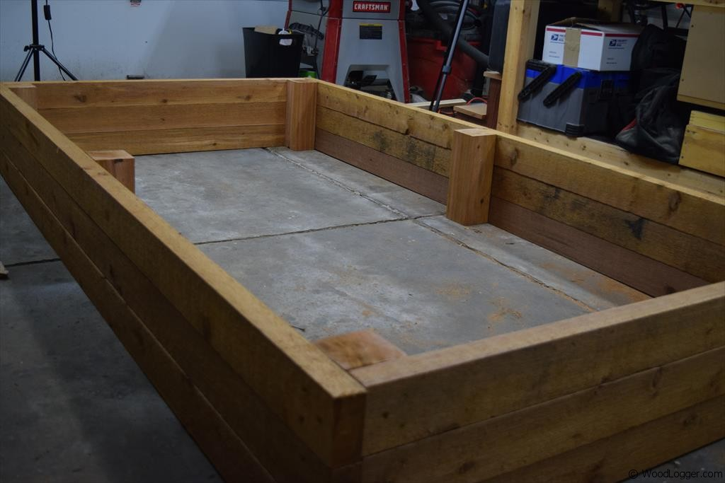 Raised Garden Bed - WoodLogger